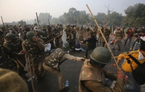 New Delhi protesters defy government ban and continue rally against the rape