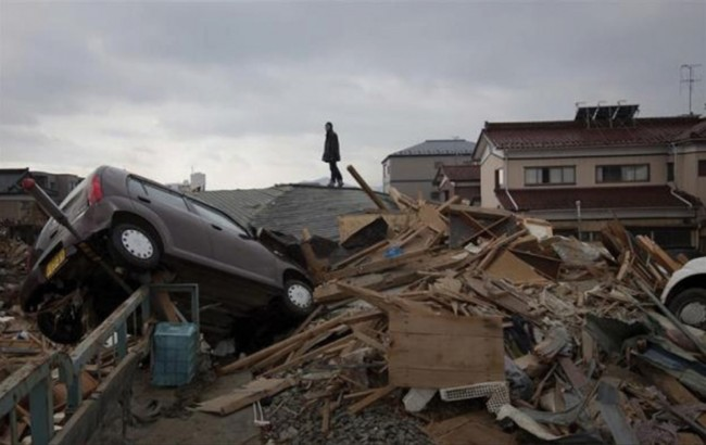 Tohoku Earthquake and tsunami 2011 (Unedited Video)