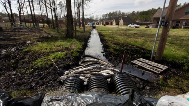 Arkansas Investigating Huge Exxon Oil Spill in Mayflower