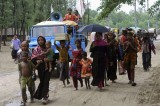 Bangladesh hit by cyclone, killing one