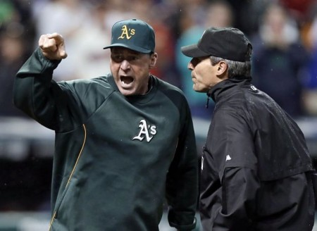 Oakland A's lose after controversial call (video)
