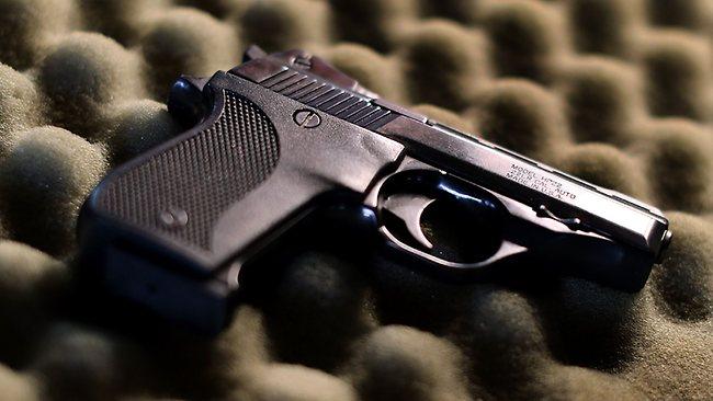 861663-gun