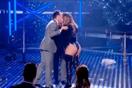 Jennifer Lopez bare bottom