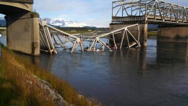 I-5 bridge collapse over Skagit River in North Seattle (Video)