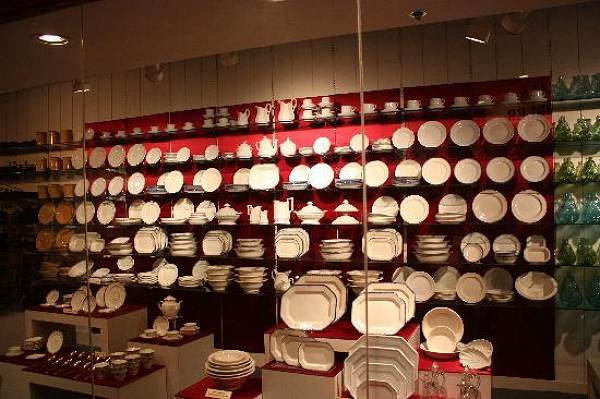 China dishes found intact as part of cargo of  steamboat Arabia which sank in 1856 in Missouri River.