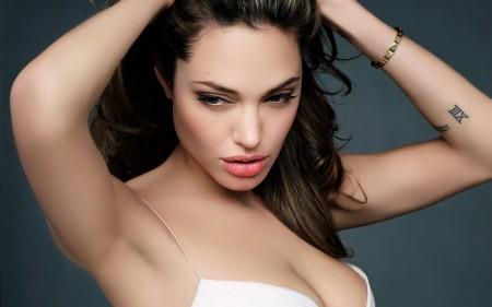 Angelina Jolie's priceless present