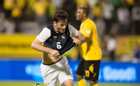 Brad Evans goal in stoppage time beat Jamaica and gave the USA a boost in the World Cup qualifying standings.