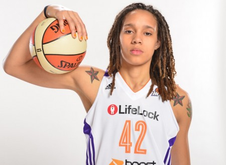 Nike signs it's first openly gay athlete, Brittney Griner