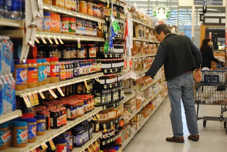 Most U.S packaged foods contain ingredients banned in 100 countries