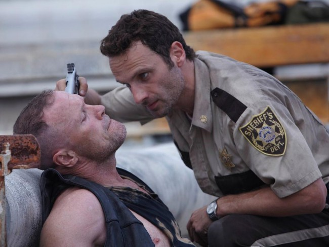 two-new-shots-of-merle-dixon-s-return-to-the-walking-dead2
