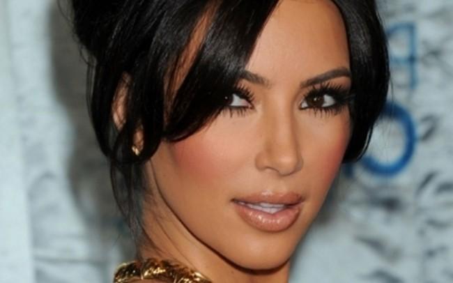 Kim Kardashian cheese fries make me horny
