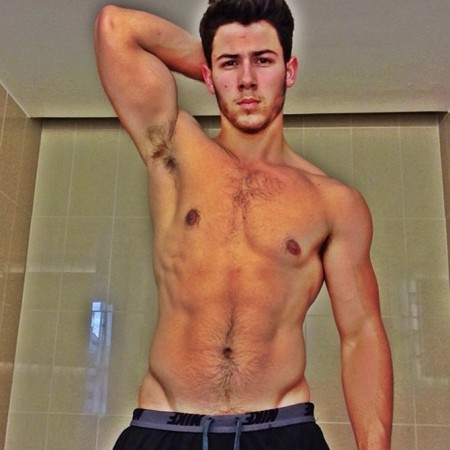 Nick Jonas, tour, selfie, shirtless, ripped