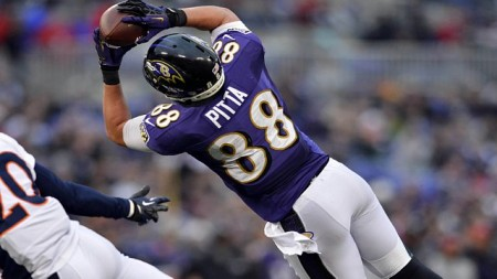 Baltimore Ravens tight end Dennis Pitta has injured his hip and reportedly will miss the season as a result.