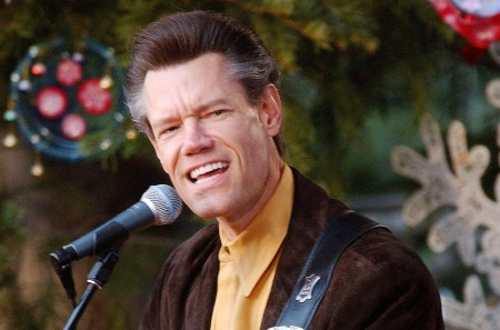 Randy Travis out of hospital and on road to recovery