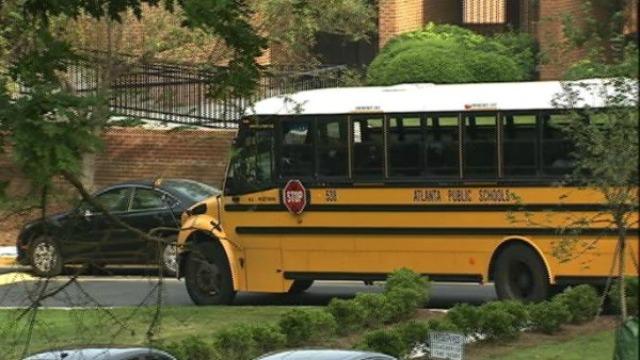 Atlanta: Child Abduction at Bus Stop at Old Gordon Rd