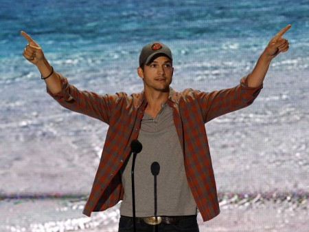 Ashton Kutcher Teen Choice Award is  Epic Win