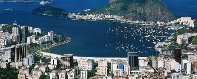 Brazilian Bus Soars off Bridge Near Rio, Killing 6