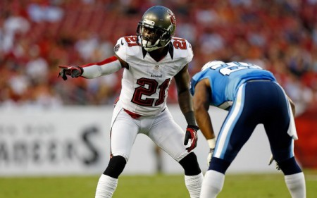 The San Francisco 49ers have signed free agent cornerback Eric Wright to a one year deal.