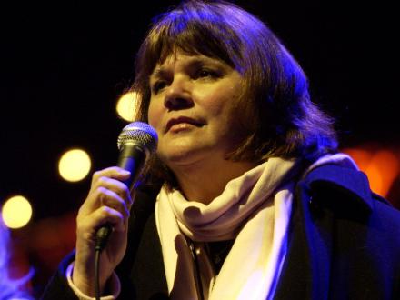 Linda Ronstadt and Microphone