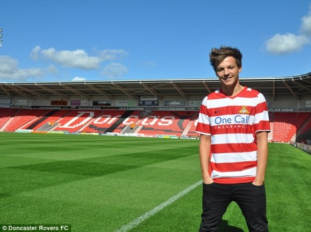 Louis Tomlinson of One Direction has signed a contract to become a professional soccer player for the Dancaster Rovers.