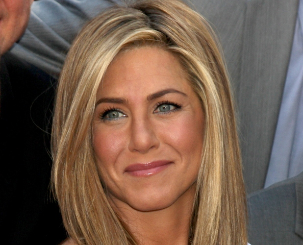 Self-confident Jennifer Aniston is Actually Self-conscious