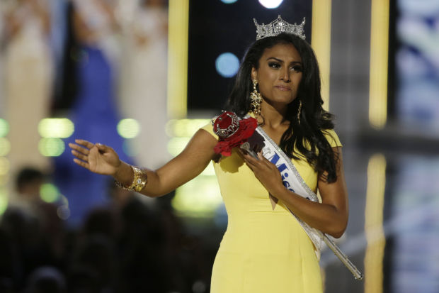 entertainment, miss america, nina davului, racist