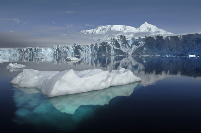 Antarctic sea ice is expanding but does not refute warming