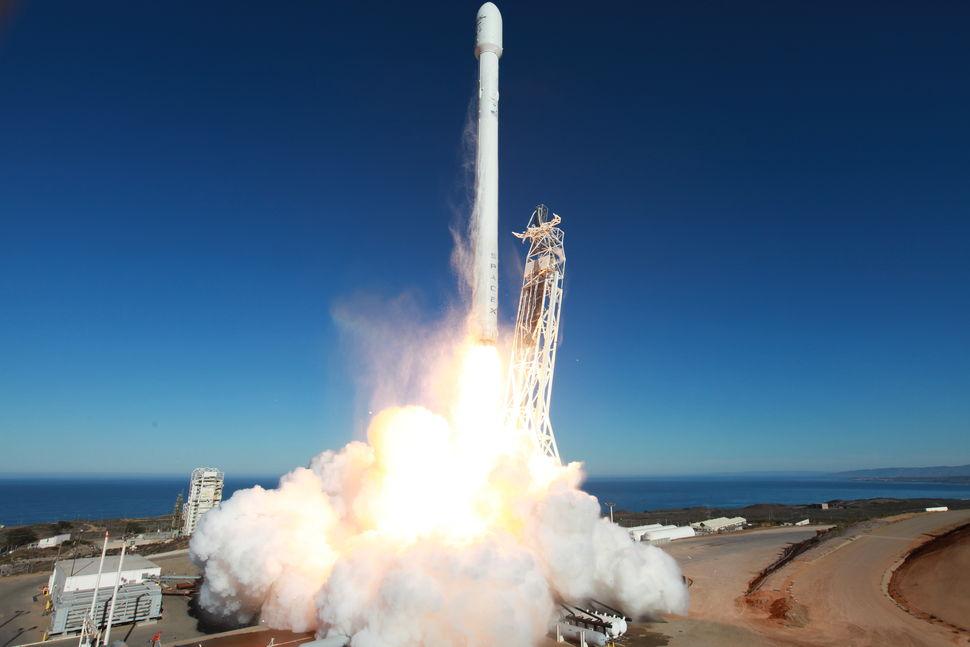 spacex rocket in flight - photo #10