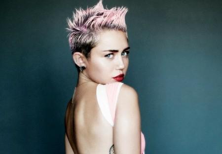 Miley Cyrus Dumped for Eiza Gonazalez