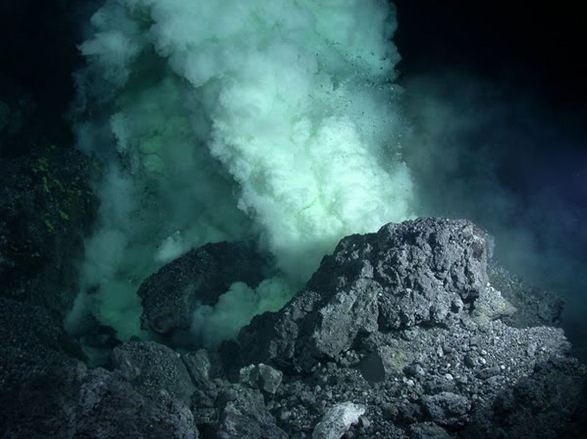 Largest Volcano on Earth the Size of New Mexico Found ... Pacific Ocean Underwater Volcanoes