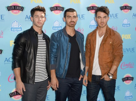 Jonas Brothers to Break Hearts with News of Their Break Up