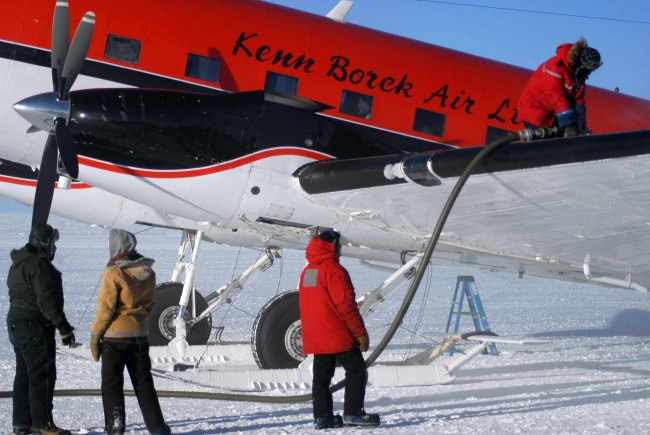 Many Antarctic researchers are now flying back home