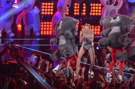 Miley Cyrus Little Person Dancer Felt Less than Human
