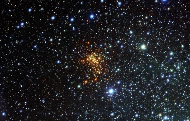 Westerlund 1 in Ara constellation showing W26 red supergiant