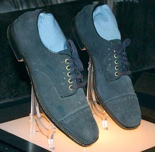 16b3c05d7 Blue Suede Shoes of Elvis Presley May Fetch Small Fortune - Guardian ...