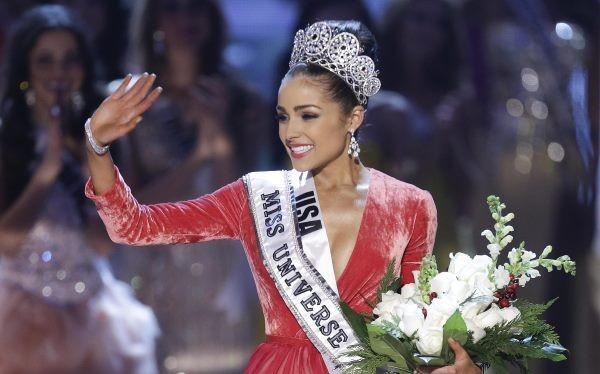 Miss Universe Continues Despite Controversy