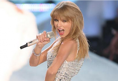 Taylor Swift Dissed by Victoria's Secret Model