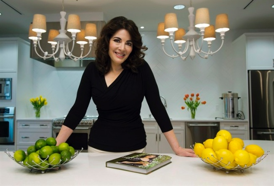 nigella, nigella lawson, tweets, hotcakes, entertainment