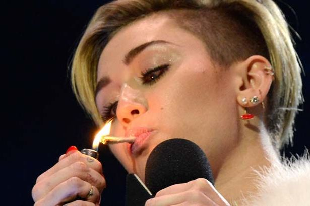 Miley Cyrus Sets her Fame on Fire