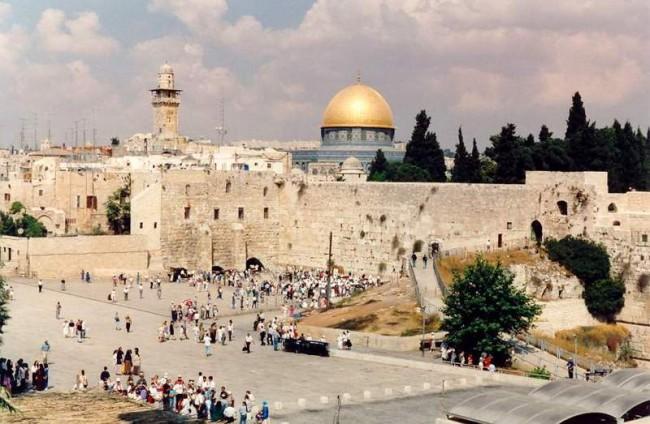 Hanukkah Myth Buster - Not a Jewish Christmas