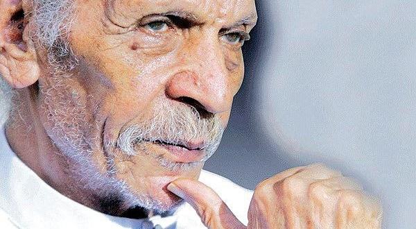 Egypt poet dies