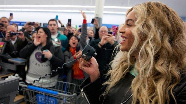 Beyonce makes surprise trip to Walmart