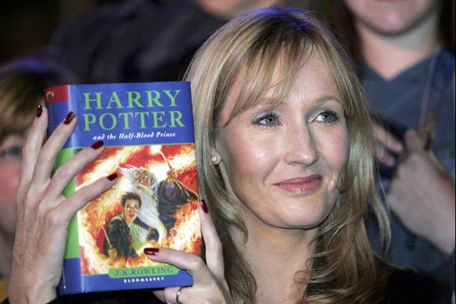 J.K Rowling revela que habrá un nuevo libro de Harry Potter