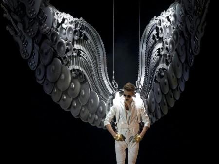 Justin Bieber Delusions of Christ or Obi Wan Kenobi?