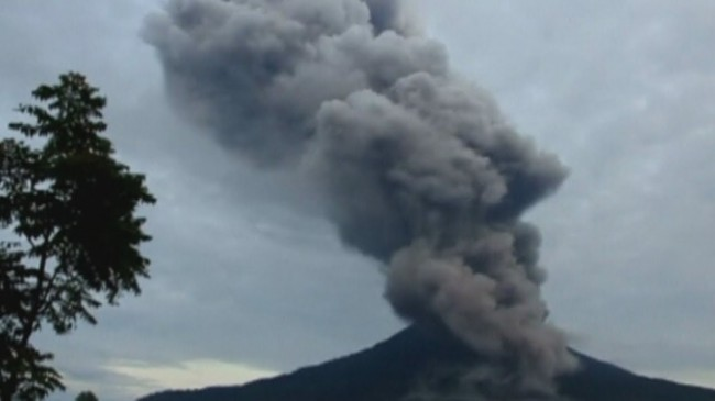 Indonesia is Facing yet Another Violent Blaze with Mount Sinabung Eruption