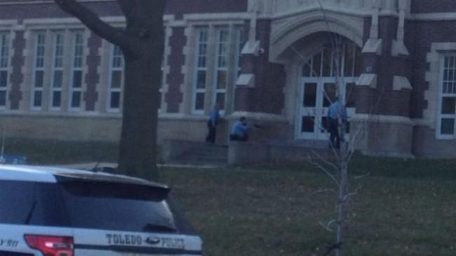 Ohio Student Brings Pellet Gun to School, Now in Custody