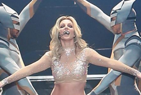 Britney Spears Cheating Her Fans at Planet Hollywood?