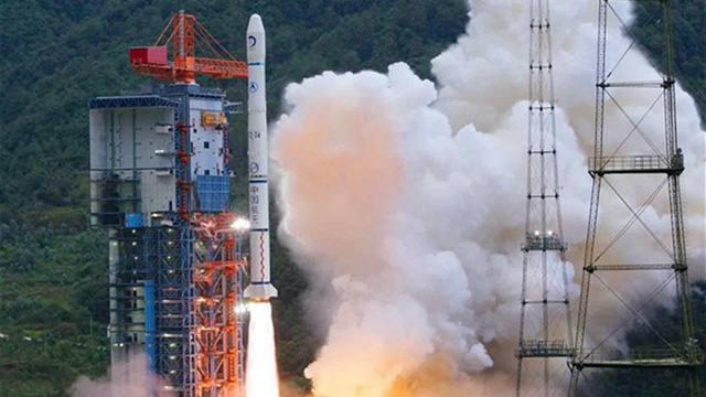 Space Race Begins, Moon Landing for China