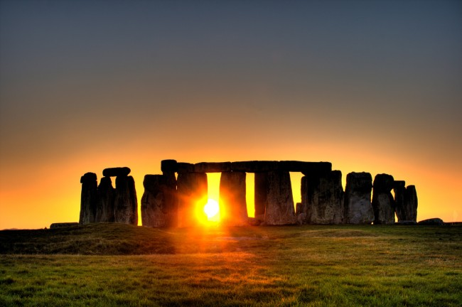 Stonehenge new tourist center opens