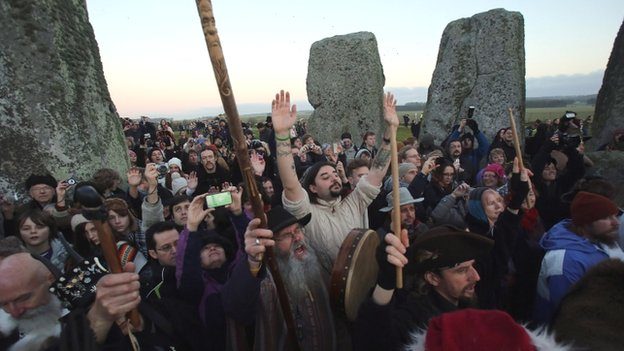Stonehenge Welcomes Record Crowd For Winter Solstice